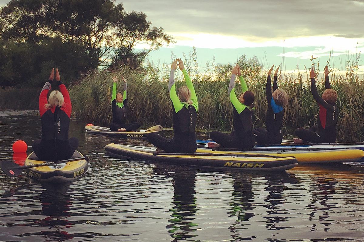 SUP yoga, Lomma, kl 17.30-19.30 (Fullbokad)